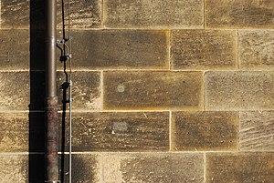 Das Bild 'Sandsteinwand.' wurde in Bamberg, Deutschland, aufgenommen. User:Tian.chris Anfang Januar 2008