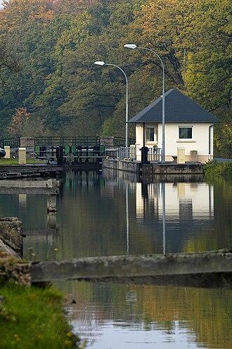 Canal de la Sarre - Canal lock 1