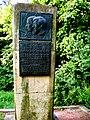 Schulze-Knabe Gedenkstein 1987.JPG