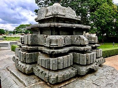 Sculptures on Hoysaleswara temple - 4.jpg