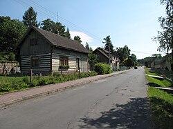 Sedmihorky, silnice s roubenkou č. 50.JPG