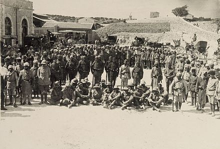 Australian prisoners captured at Shellal ShellalOzPrisoners00117v.jpg