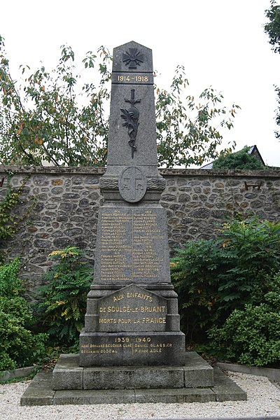 Monument aux morts de Soulgé-le-Bruant à Soulgé-sur-Ouette.