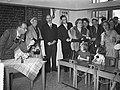 Staatsbezoek president Coty aan Nederland. Mevrouw Coty en koningin Juliana bezo, Bestanddeelnr 906-6174.jpg