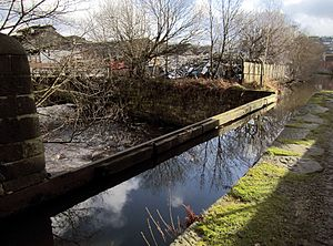 Huddersfield Narrow Canal - Outram's Stakes aqueduct at Stalybridge