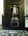 Statue of Emperor Constantine.jpg