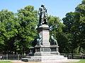 Statue of Linne Stockholm.jpg