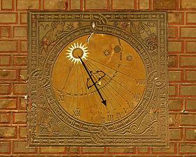 Sundial Warsaw.jpg