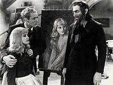 Бэрримор, накрашенный как Свенгали, с бородой, пристально смотрит на Мэриан Марш, мирно сидящую с закрытыми глазами, чьи плечи защищает Брэмвелл Флетчер, который выглядит обеспокоенным.