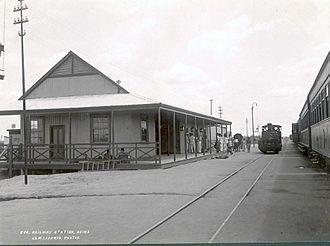 Timeline of Beira, Mozambique - Image: TT CMZ AF GT E 2 1 4 65 Railway Station. Beira