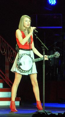 Taylor Swift RED Tour 2014, Singapore.jpg