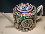Teapot with flower and nightingale motif, Chinese porcelain, 1800-1840 - Winterthur Museum - DSC01508.JPG