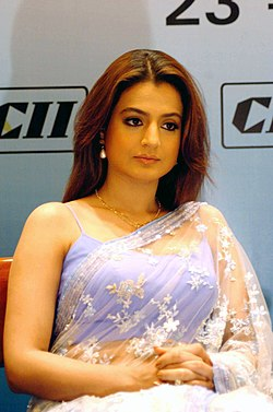The glamorous Film Star Amisha Patel at the 'India – The Big Picture Conference – 2005' organized by CII as part of IFFI events, in Panaji, Goa on November 24, 2005.jpg