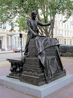 Thomas Cubitt Statue, Pimlico (5932644167).jpg