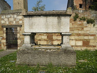 Azzo VI of Este - The sarcophagus which once housed the remains of Azzo VI d'Este and his wife Alice of Châtillon, in the Abbey of Vangadizza, Badia Polesine.