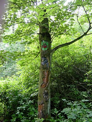 Towneley Park - Image: Totem Towneley