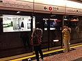 Trajno de limo kun ĉeftero ĉe Ŝenĵeno al la Centro (Honkongo) 14.jpg