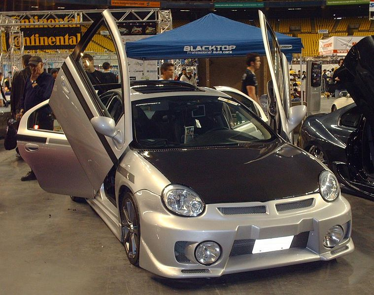 File:Tuned Dodge SRT-4.jpg