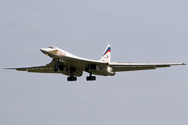 Сверхзвуковой стратегический бомбардировщик-ракетоносец Ту-160 «Николай Кузнецов»