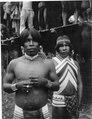 Två smyckade indianer. Rio Sambú, Darién, Panamá. Darién, Sambú River. Panama - SMVK - 004326.tif