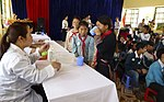 USAID supports deworming medication for school children in Sa Pa district of Lao Cai province (14218032142).jpg