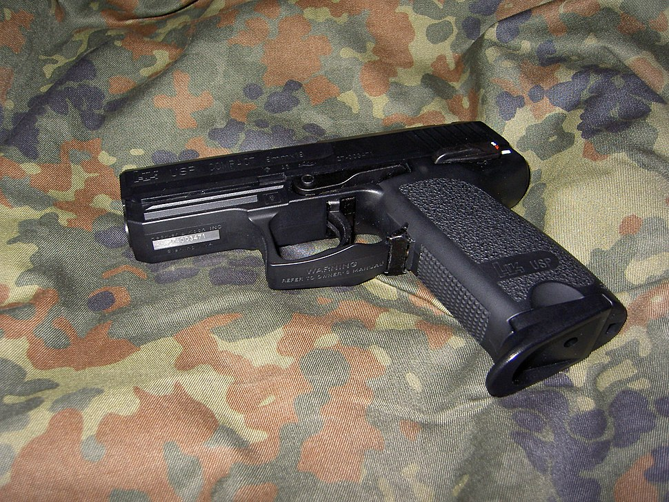 USP Compact on flecktarn