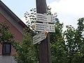 Věžná (ZR), turistické značení.jpg