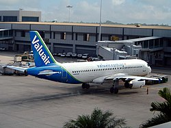 Valuair A320-232 (9V-VLA) at Singapore Changi Airport.jpg