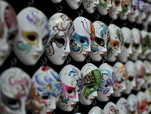 Souvenir shopping in Venice