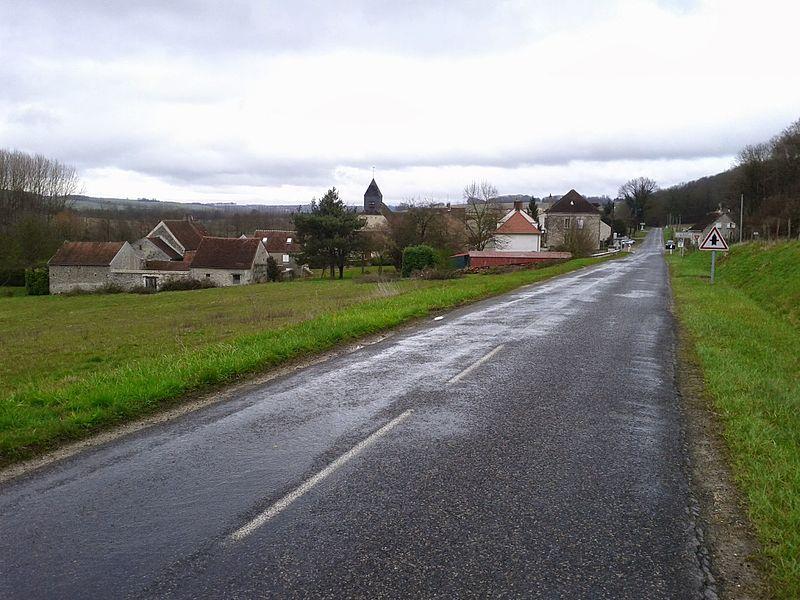 Vers La Celle-sous-Montmirail (02)