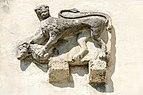 Villach Maria Gail Pfarrkirche S-Wand aussen Steinrelief Mantikor mit Widder 21042017 5092.jpg