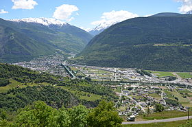 Visp in the plain of the Rhone Valley, in the background the Vispertal