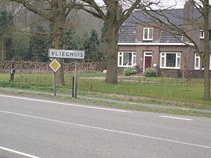Vlieghuis - Entering Vlieghuis