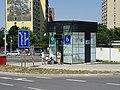 Vokovice, Veleslavínská, výtah stanice metra Nádraží Veleslavín.jpg