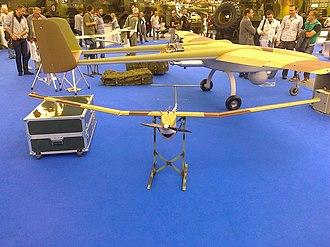 Vrabac Mini UAV - Image: Vrabac mini UAV next to Pegaz UAV