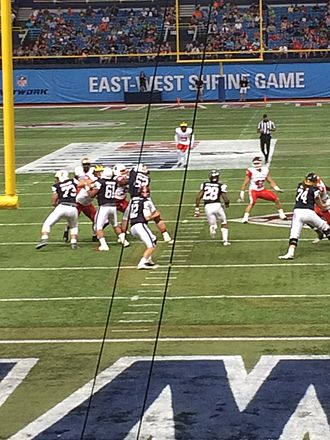 Wes Lunt - Wes Lunt at the 2017 East–West Shrine Game