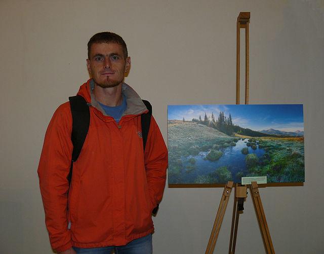 Віталій Башкатов та його робота, що посіла перше місце на конкурсі