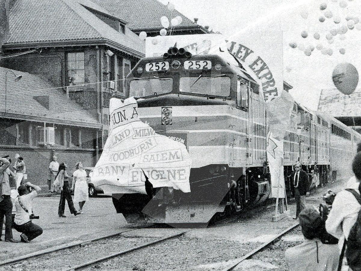 Willamette Valley  Train