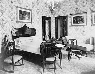 The Bellevue-Stratford Hotel - A bedroom in the Bellevue-Stratford, photographed by William H. Rau, circa 1905