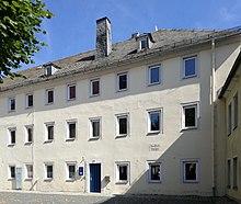 Jean Pauls Geburtshaus in Wunsiedel, heute Jean-Paul-Platz 5) (Quelle: Wikimedia)