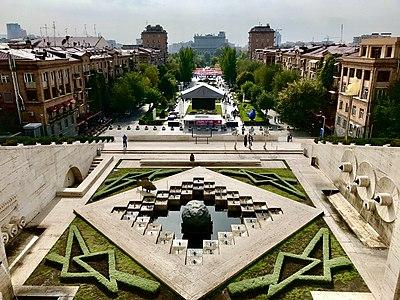 Yerevan Cascade 21.jpg