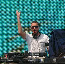 Zane Lowe 1 Big Weekend.jpg