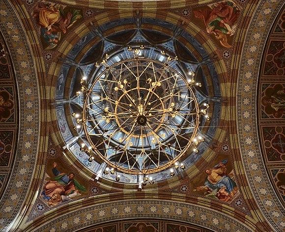 Розпис куполу церкви Трьох святителів.jpg
