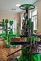 Старі випробувальні установки в лабораторії опору матеріалів.jpg