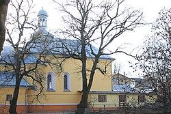 Вигляд на церкву святого Миколая з вул. Підгаєцької