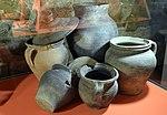 02016 0899 Mittelalterliche Keramik aus dem 14. Jahrhundert, gefunden bei Sanok, Ost-Beskiden. In der Dauerausstellung es Historischen Museums Schloss Sanok.JPG