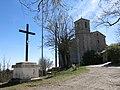 041 Santuari de la Mare de Déu dels Munts (Sant Agustí de Lluçanès), creu i església.jpg