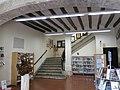 091 Cal Gomà, Biblioteca Torres i Bages, pl. Oli 20 (Vilafranca del Penedès), vestíbul.jpg