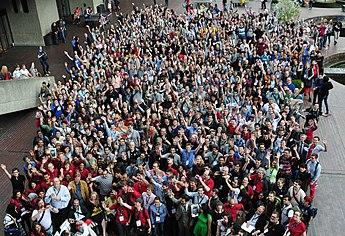 345px 14 08 10 wikimania gruppenfoto 01 Αναφορά από Wikimania 2014