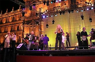 17 Hippies - 17 Hippies performing in Salamanca in September 2006.